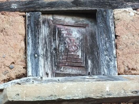 cruz pate ventana